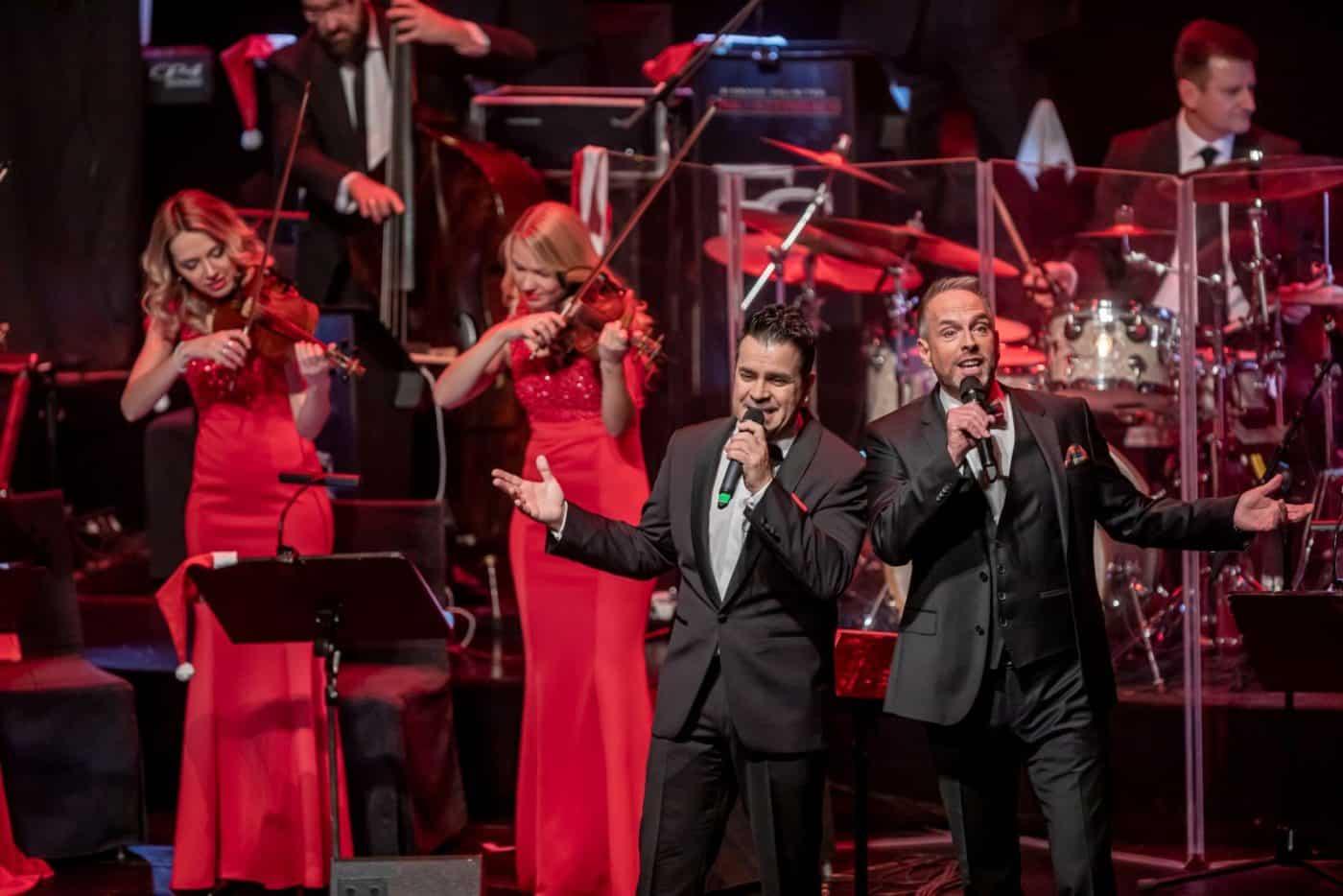 Zu besonderen Firmenfeiern spielt die STEINBACH Band zusammen mit ihrem Streicherensemble und Sängern.