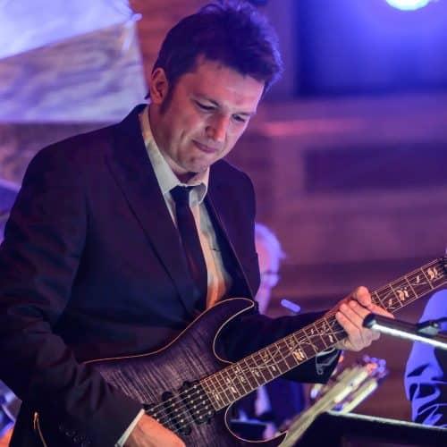 Jan Zehrfeld - ein Meister an der Gitarre