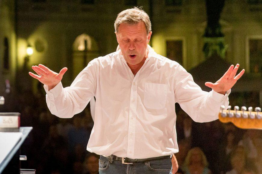 """Gerd Fink – seit 15 Jahren musikalischer Leiter der Bigband """"Fink & Steinbach""""."""