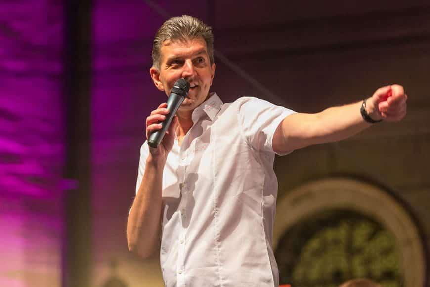 """Max Steinbach ist Herz und Kopf der Bigband """"Fink & Steinbach""""."""