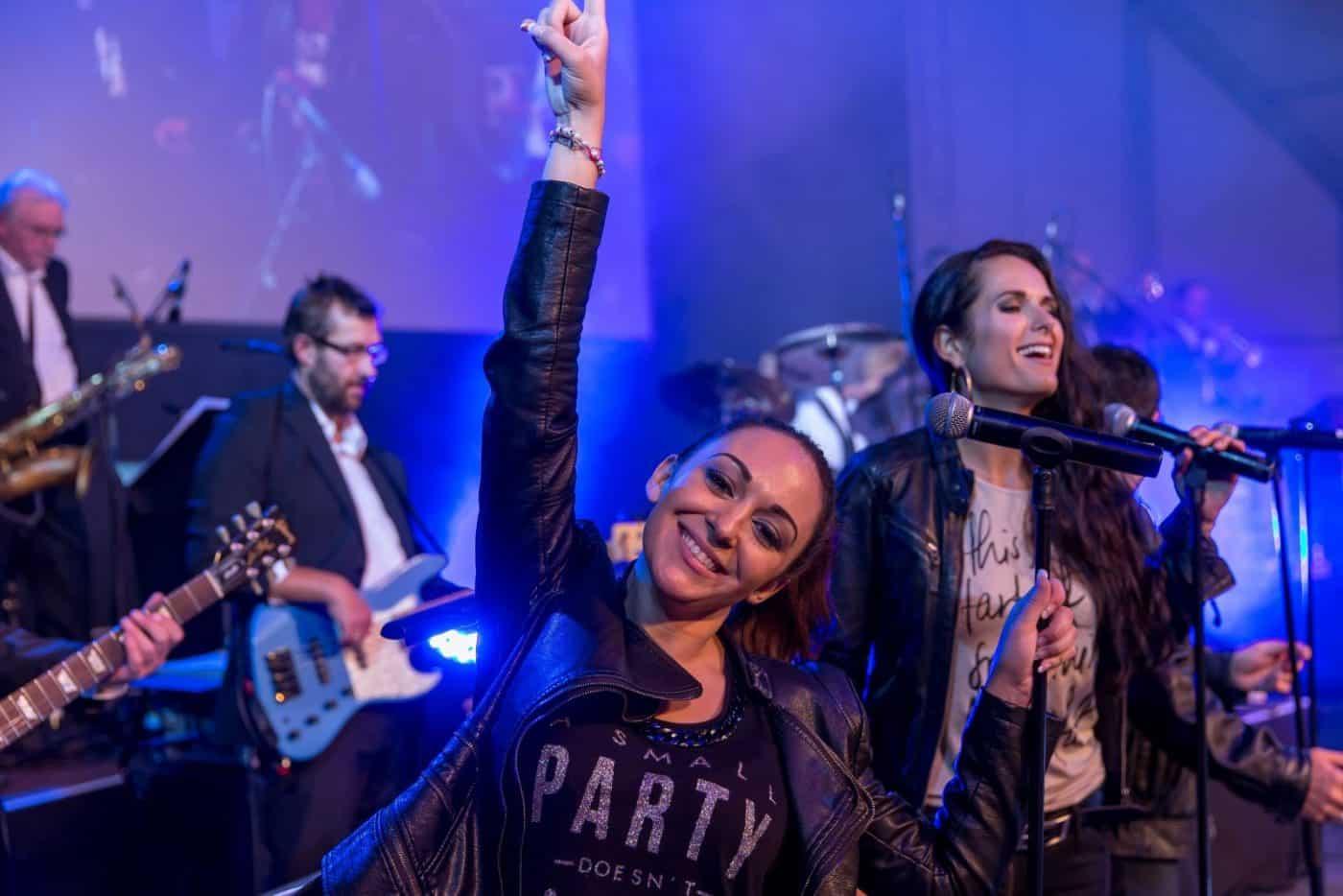 Die STEINBACH Band bringt Energie und Party in jede Firmenfeier.