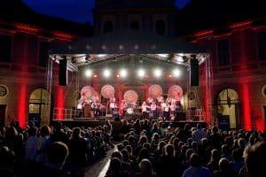 Die Liveband Steinbach im Brunnenhof in München