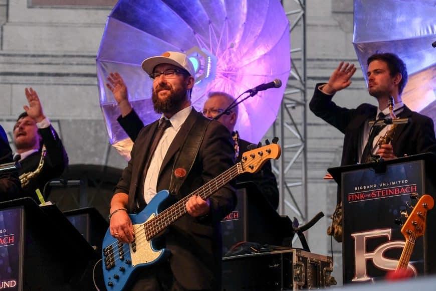Big Band Fink & Steinbach – Konzert in München, Brunnenhof der Residenz im Juli 2018 – Open-Air Concert mit Popmusik und Hits der 80er und 90er
