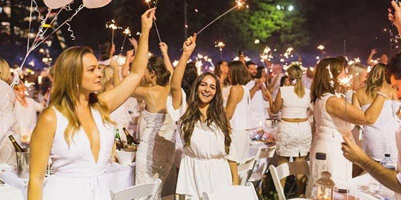 """White Party"" im Amphitheater"